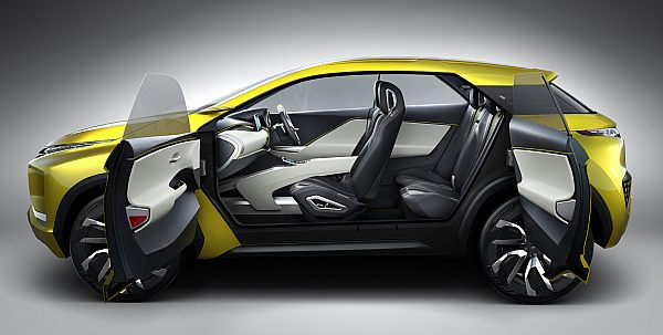 Elektrikli SUV sergileniyor