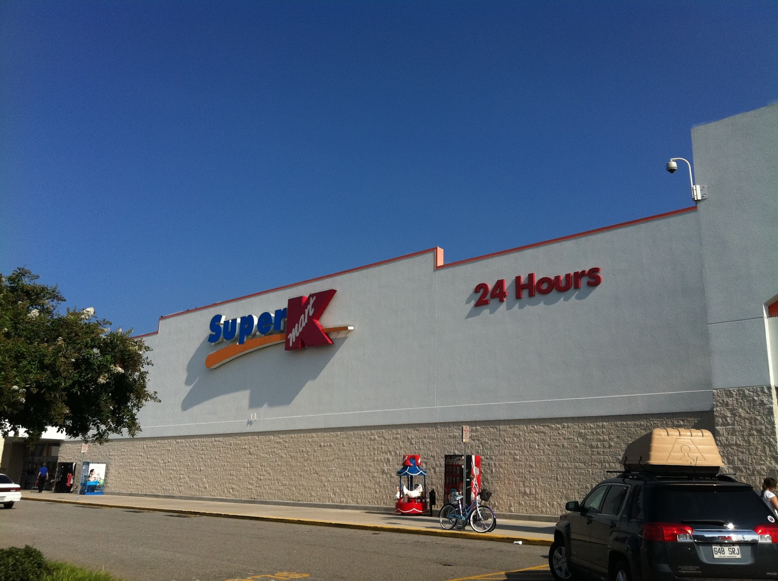 SUPER KMART is in the Department Stores industry in Warren, OH. This company currently has approximately 20 to 50 employees and annual sales of $1,, to $4,,