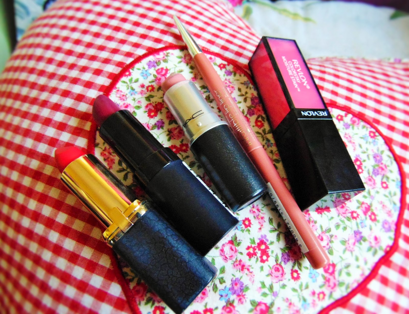 valentines picks for irresistable lips revlon loreal mac rimmel