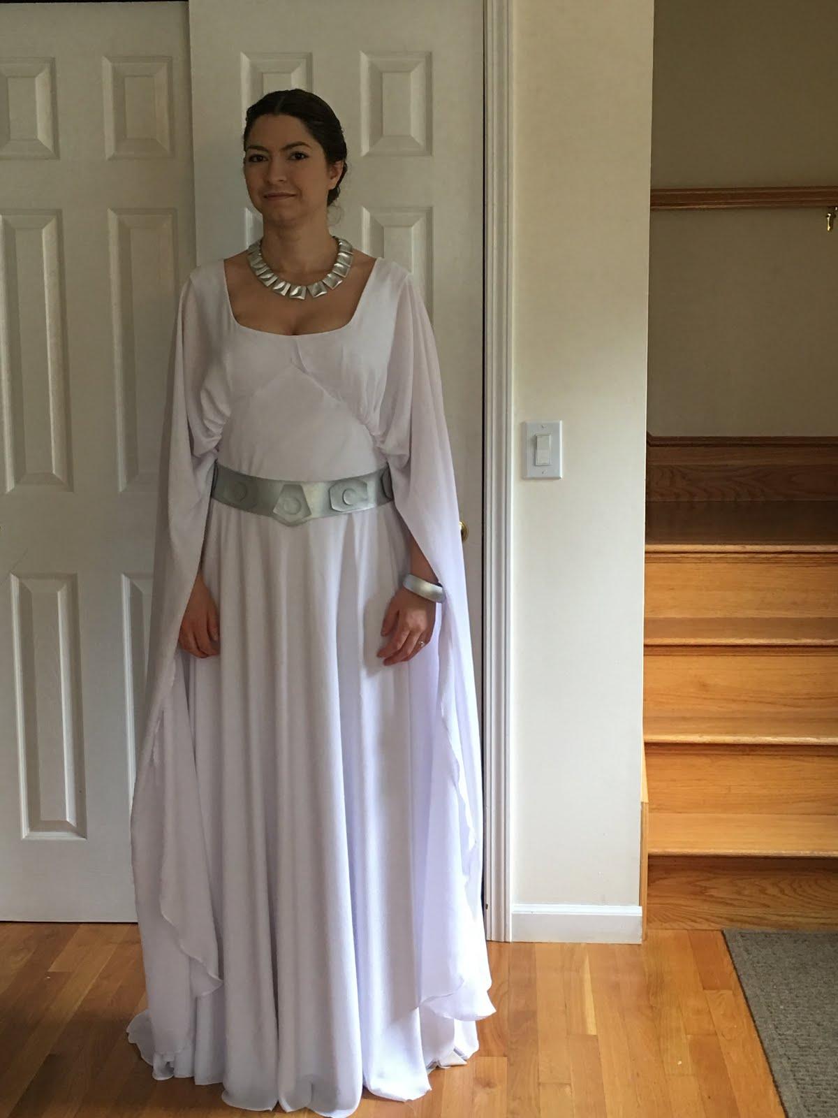 Sneak Peek: Princess Leia, Yavin Ceremony | Jen Eyre Cosplay