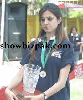 Sara Bharwana Atif Aslam wife