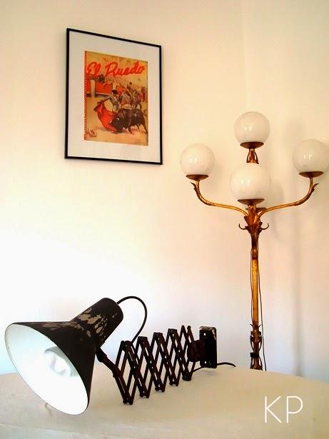 Apliques de pared vintage antiguos estilo industrial Decoración y lámparas de pie auténticas.