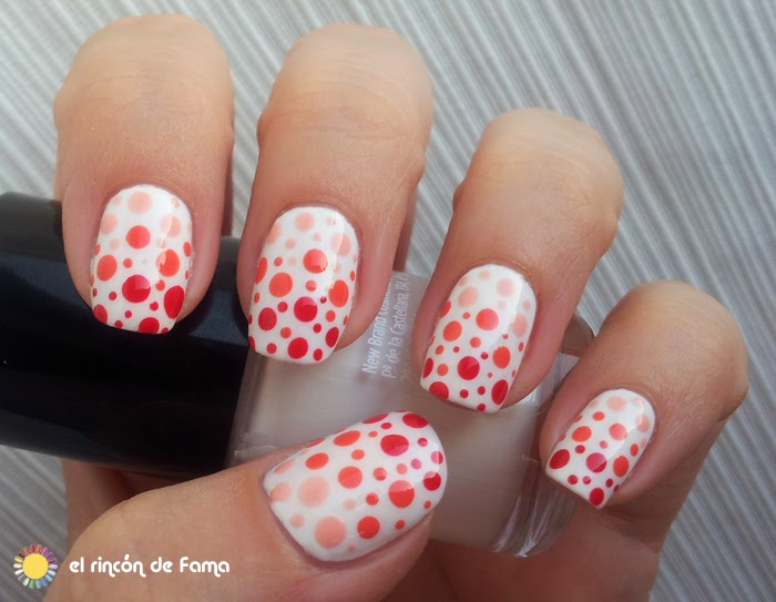 POLKA DOTS DEGRADE NAIL ART