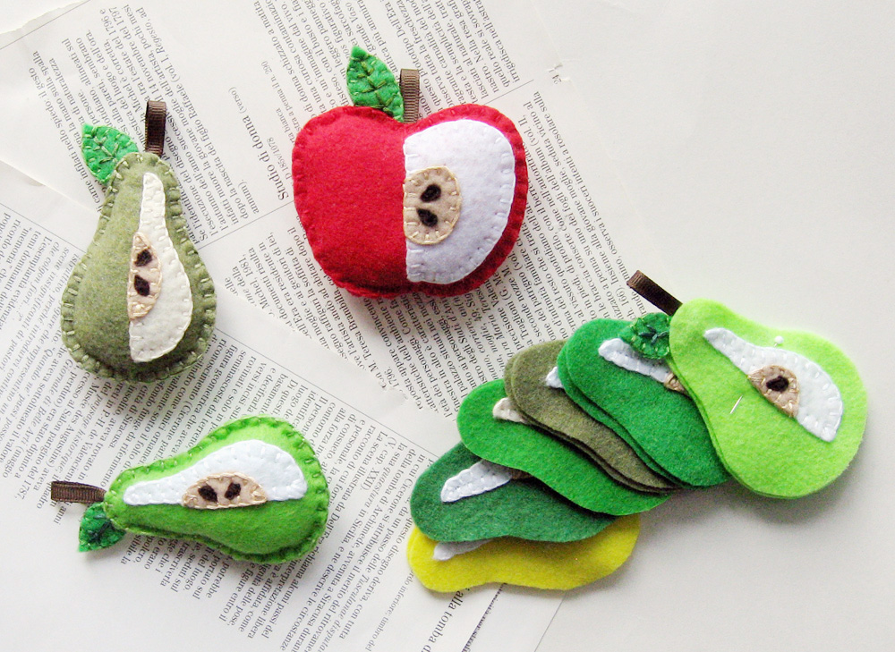 Picky chicky 39 s art craft blog craft projects in the for Felt arts and crafts