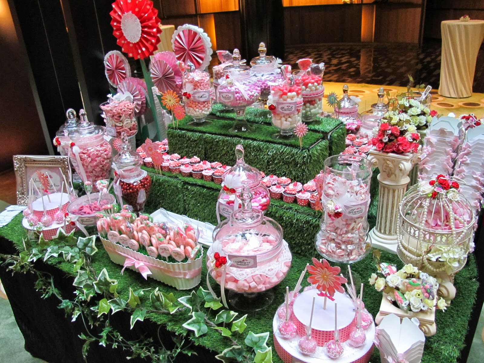 candy garden. And We Absolutely Love The Garden Setup With Mailbox That Wedding Couple Had Prepared! Candy