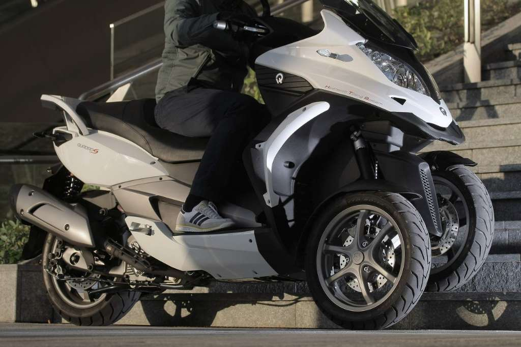 quadro 350s new three wheeled scooter autos car and motor online blog. Black Bedroom Furniture Sets. Home Design Ideas