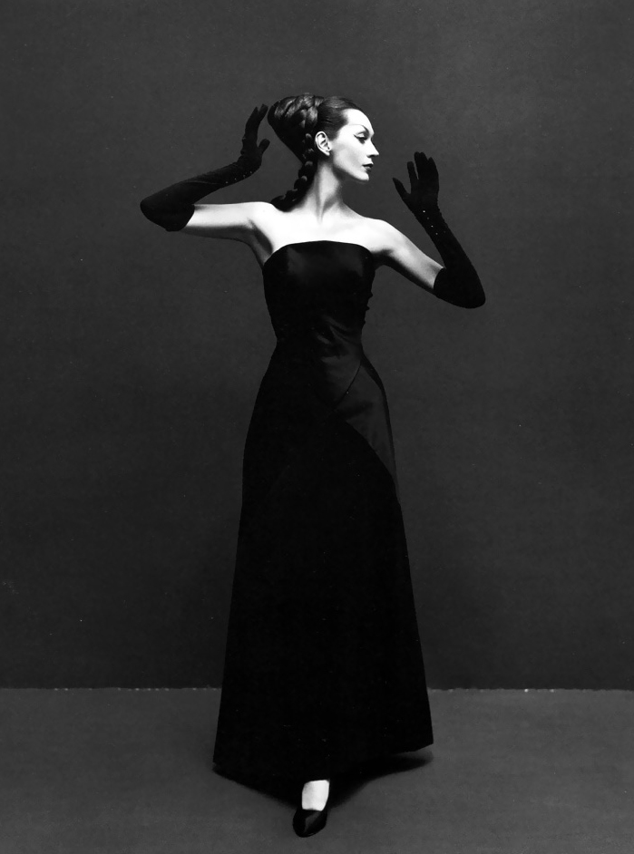 Dovima wearing Givenchy gown photographed by Richard Avedon in 1955 via fashioned by love british fashion blog