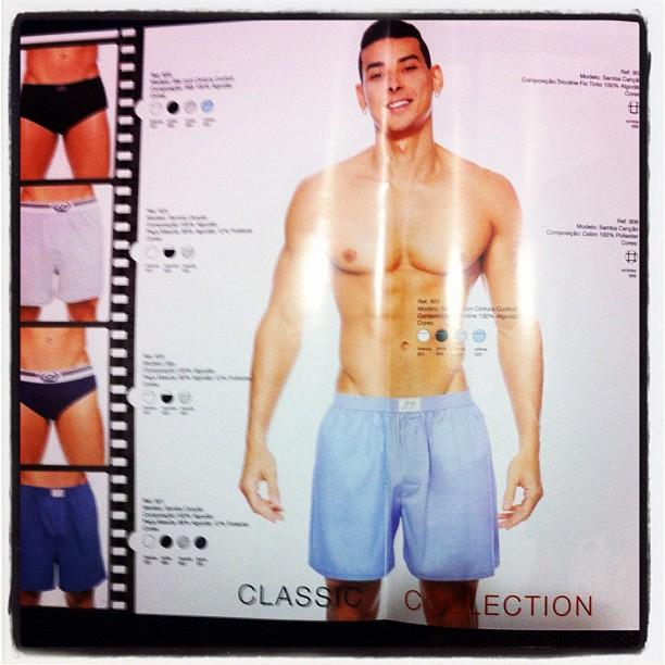 Felipe Franco de cueca samba-canção no catálogo de moda da nova coleção da Jog Underwear
