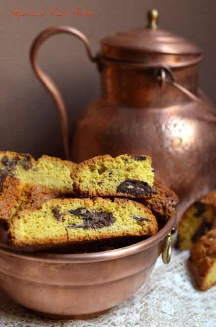 hiperica_lady_boheme_blog_di_cucina_ricette_gustose_facili_veloci_dolci_biscotti_cantucci_al_cioccolato_3