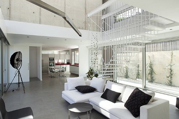 house in San Sebastián de los Reyes, Madrid by ALT Arquitectura