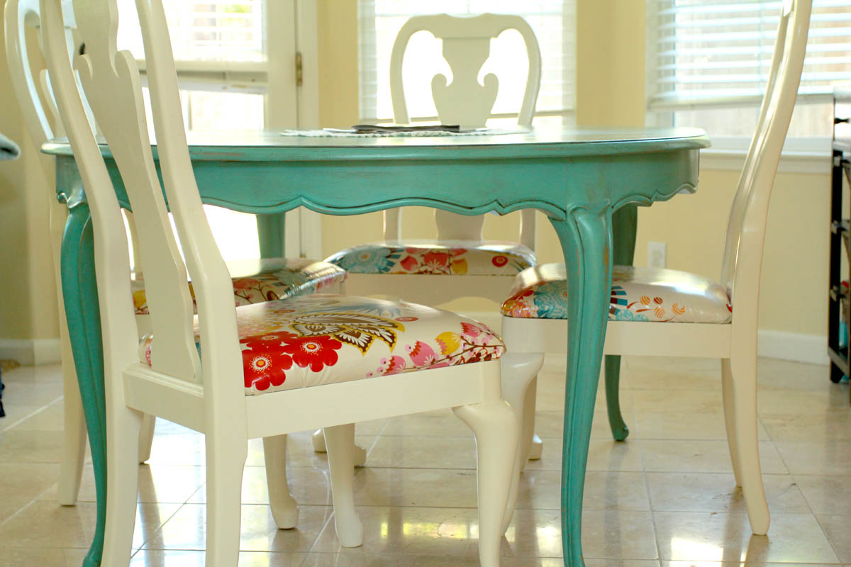 Chaos in my casa dining room idea for Painted kitchen table ideas