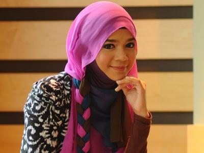 (Video) Pelakon Diana Amir Sah Bertunang Dengan Ustaz