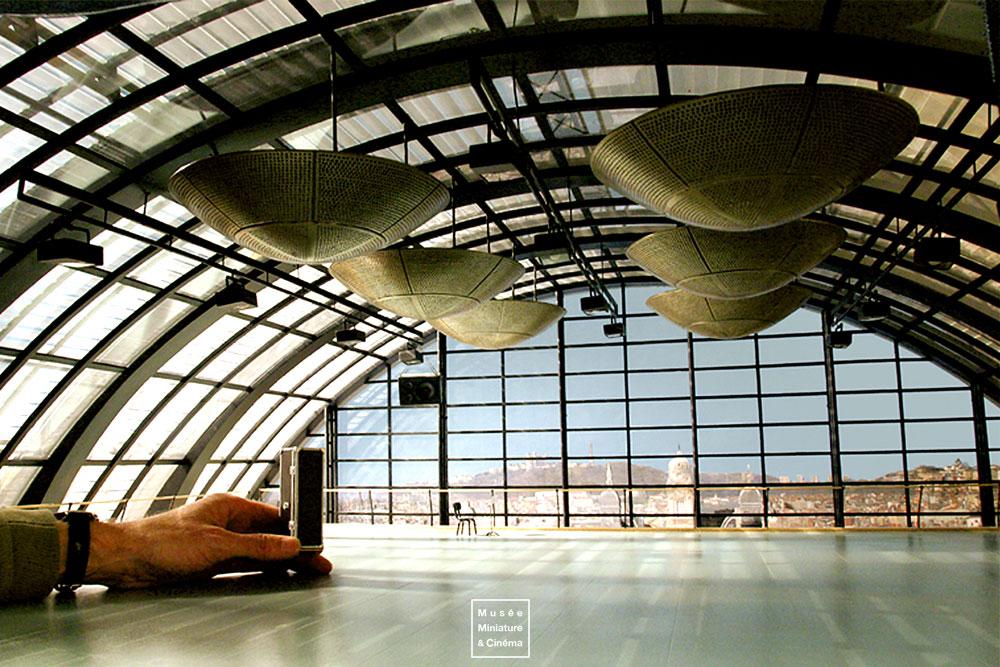 11-La-salle-de-répétition-de-l-Opéra-de-Lyon-Dan-Ohlmann-Dan-Ohlmann-Musée-Cinéma-et-Miniature-Miniature-Movie-Sets-and-Realistic-Sculptures-www-designstack-co