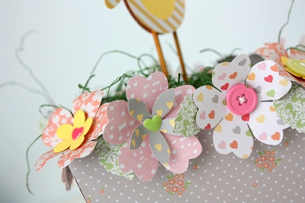 Shellye McDaniel Chickaniddy Twirly Girly Spring Centerpiece close-up2