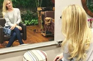 """Após o fim do tratamento, Fiorella publicou o resultado em sua página do Instagram e revelou que o cabelo ficou """"levinho, hidratado e soltinho da cabeça"""" e ainda brincou com dizendo que """"o fogo tem poder""""."""