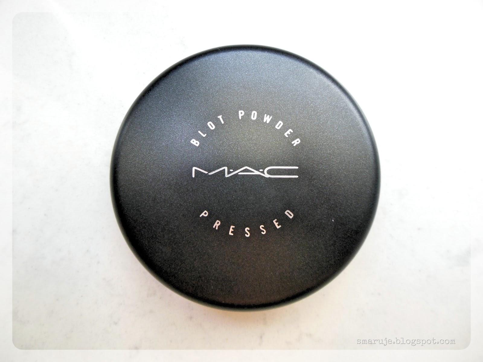 M・A・C –Blot Powder –czy wystarczy na gorące lato?