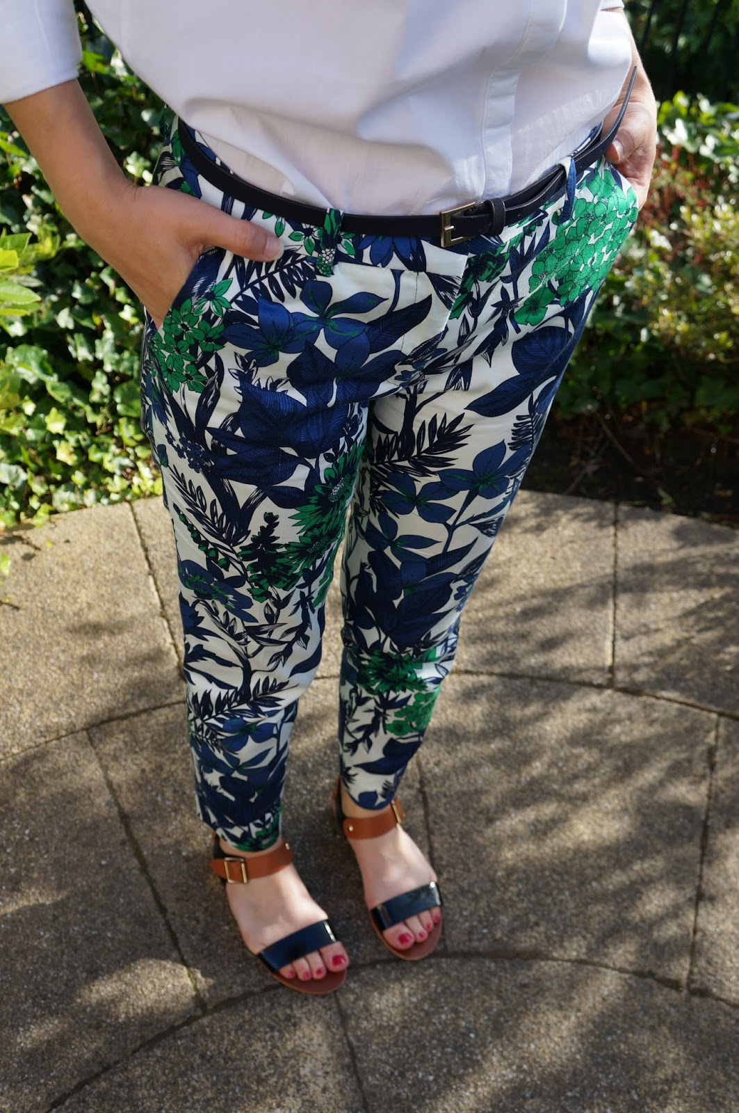 style-post-outfit-fashion-dough-zara-print-trousers
