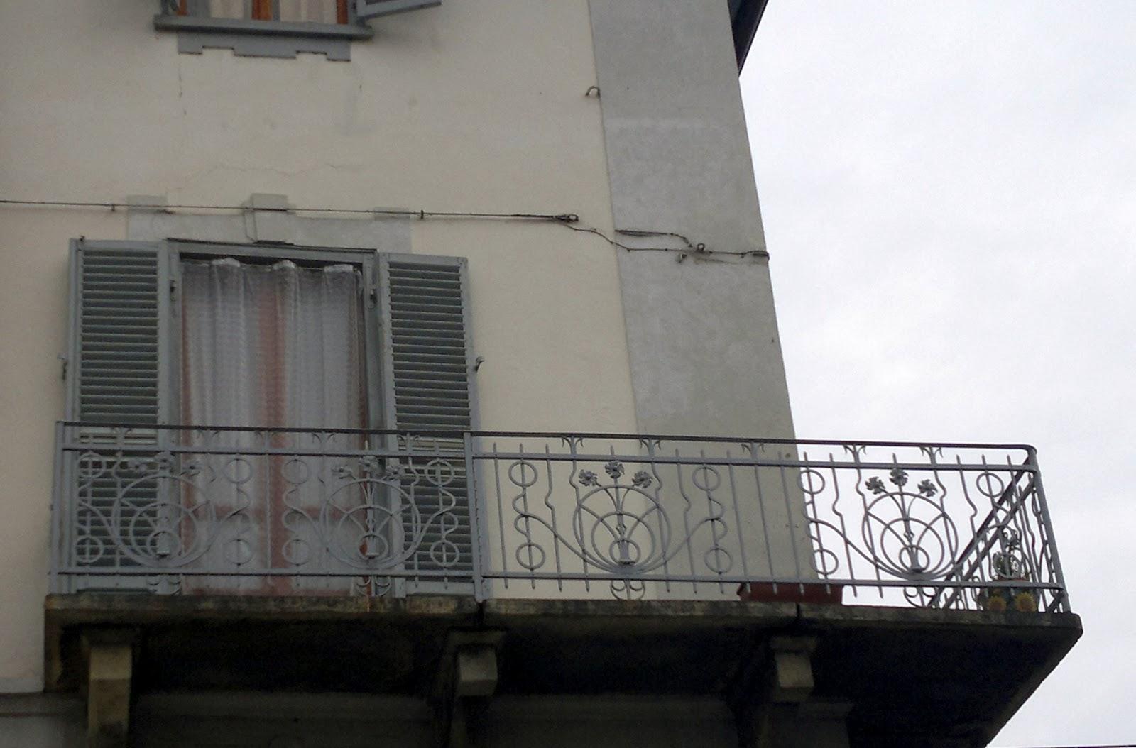 Archi tetti arredo urbano in ferro battuto for Archi arredo