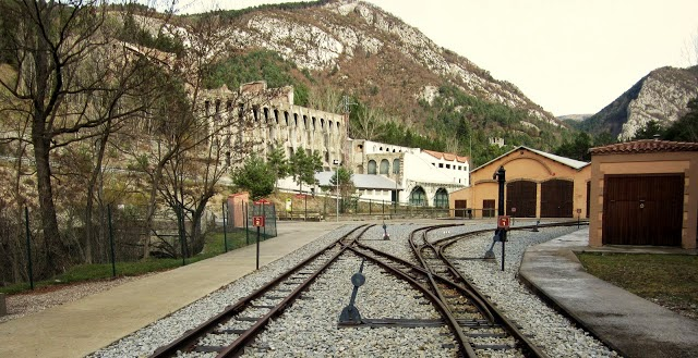 estacion castellar d?nuc fabrica clot del moro asland abandono tren cement cemento
