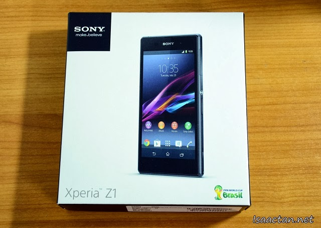 Sony Xperia Z1 Review Part 1 - Unboxing