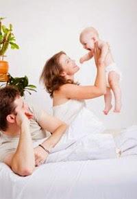 El colecho influye en la relación de los padres