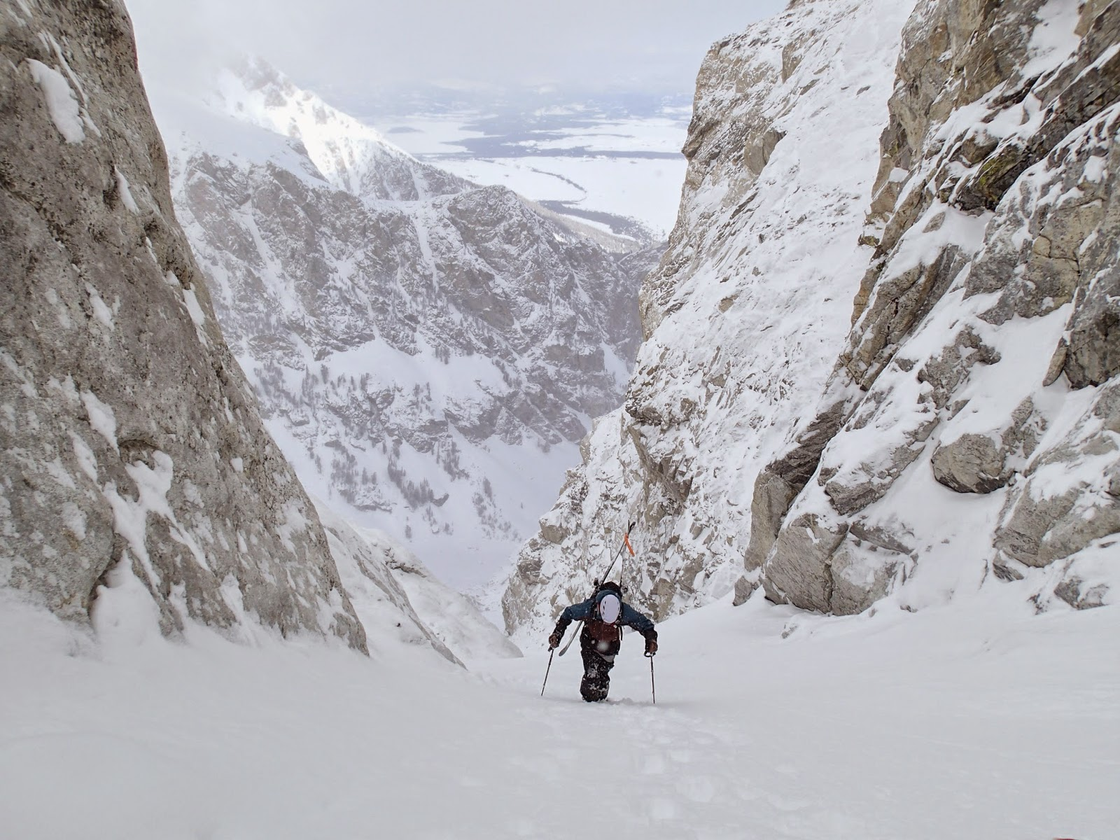 http://www.mountainenthusiast.com/2015/03/west-hourglass-couloir.html