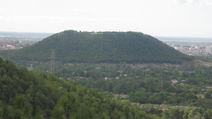 Núi Ngự Bình Huế