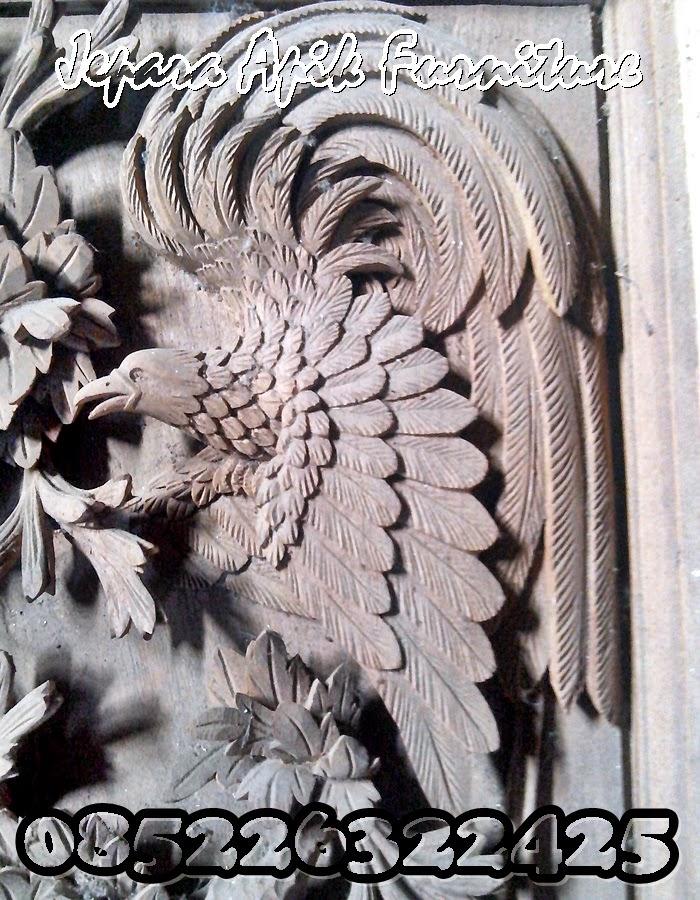 detail ukiran burung khas jepara