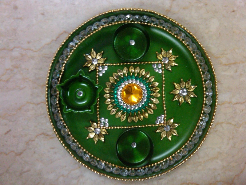 Fashion beauty decorative aarti thali for navratri for Aarti thali decoration with pulses