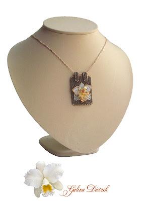 Кулон на цепочке с цветком. Орхидея. Украшение авторской ручной работы.