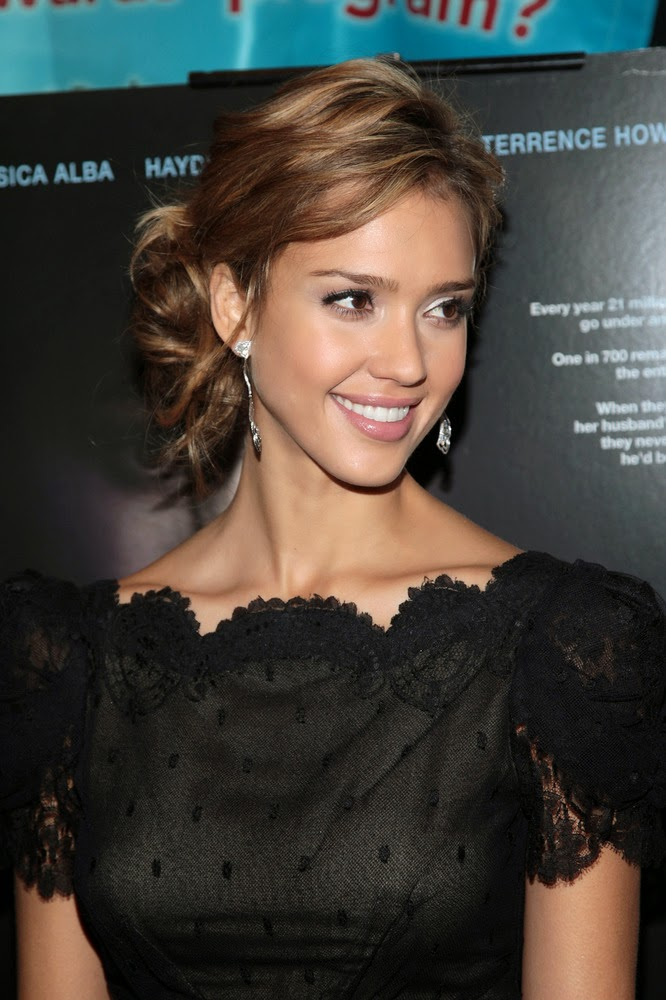 Jessica Alba Hot In black dress