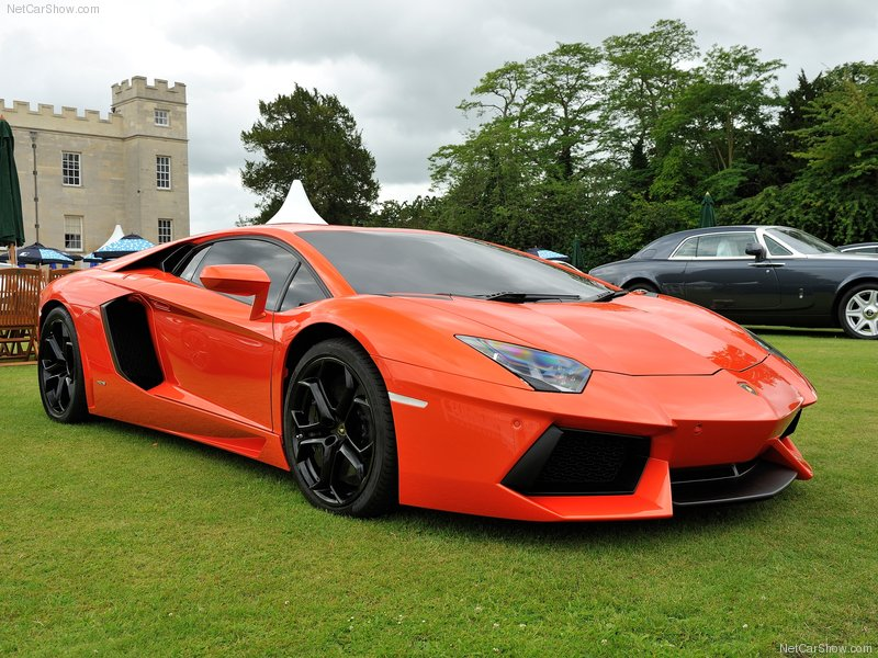 2012 Lamborghini Aventador LP 700-4 First Look