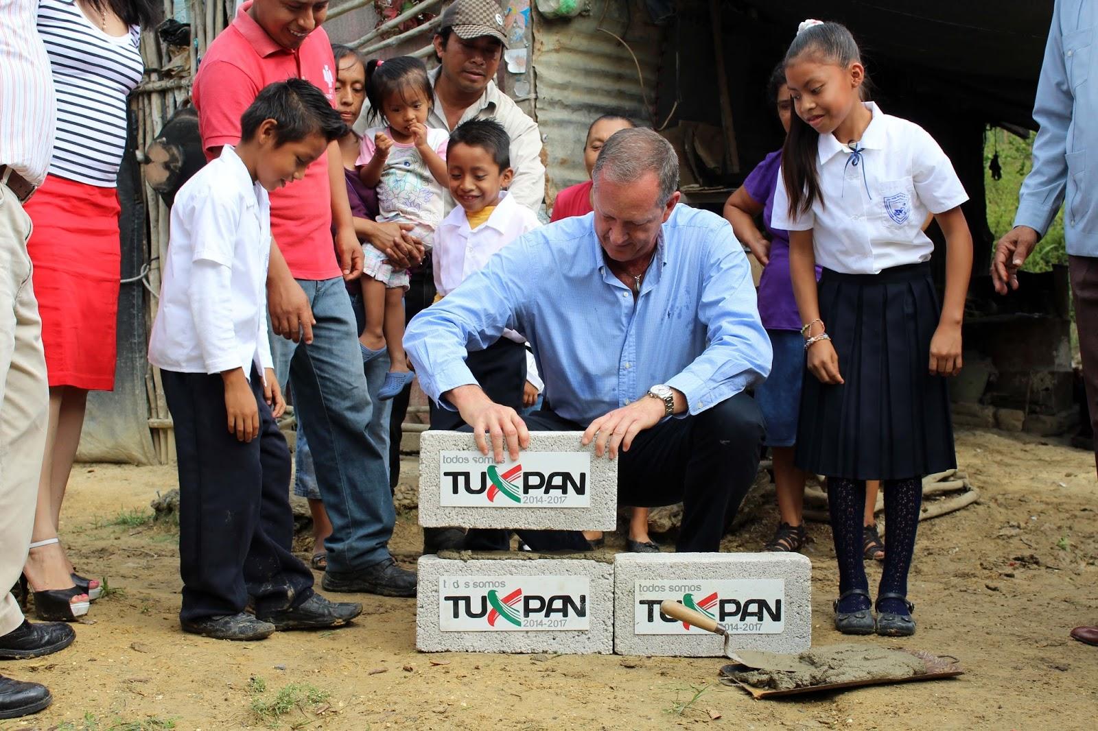Vaxtuxpan periodismo virtual construyen 10 cuartos for Habitaciones para familias