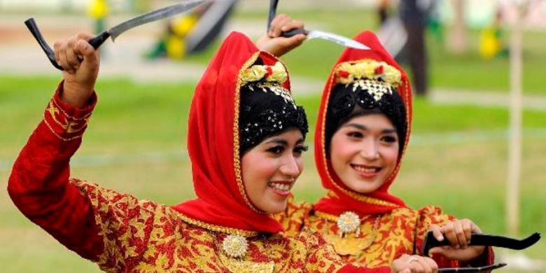 Senjata Tradisional Rencong Asal Aceh