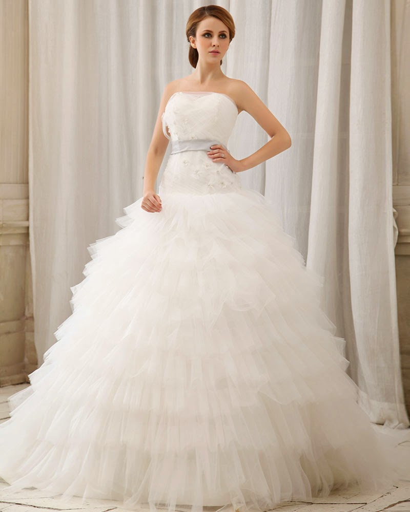 http://www.victoriasdress.co.uk/2014-new-style-ball-gown-strapless-sleeveless-tulle-white-wedding-dress-with-appliques-bukch110.html