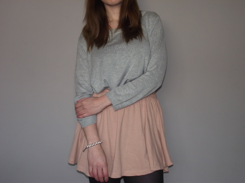 grey-jumper-pink-circle-skirt