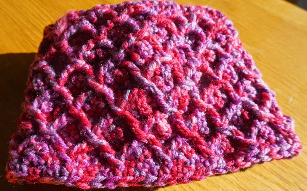 Sweet Nothings Crochet: MERTOLA DIAMOND COWL