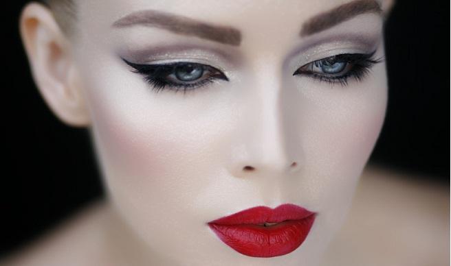 maquillaje ojos goticos