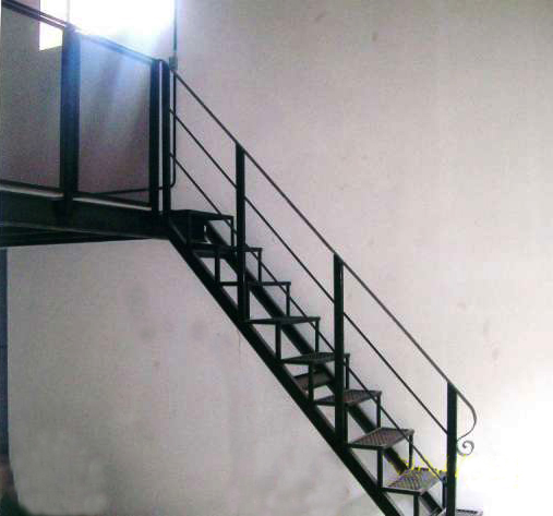Carpinteria metalica escaleras for Como calcular una escalera