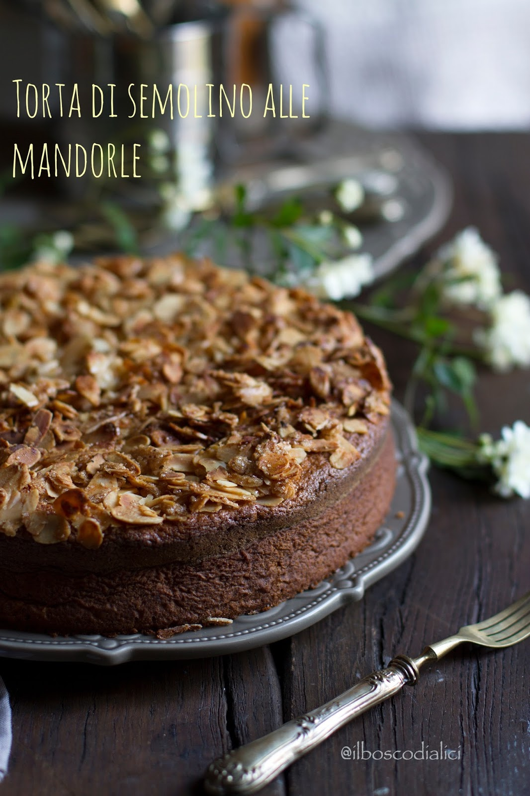 torta di semolino alle mandorle