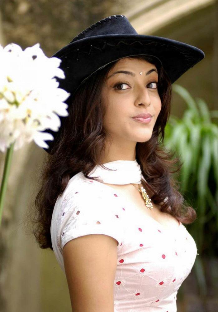 Telugu Tv Anchor Anasuya Hot Legs Hd Wallpapers | adanih.com