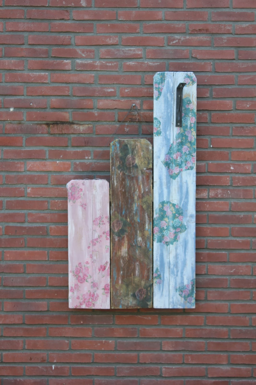 Post van Daphne: Steigerhouten afval planken.