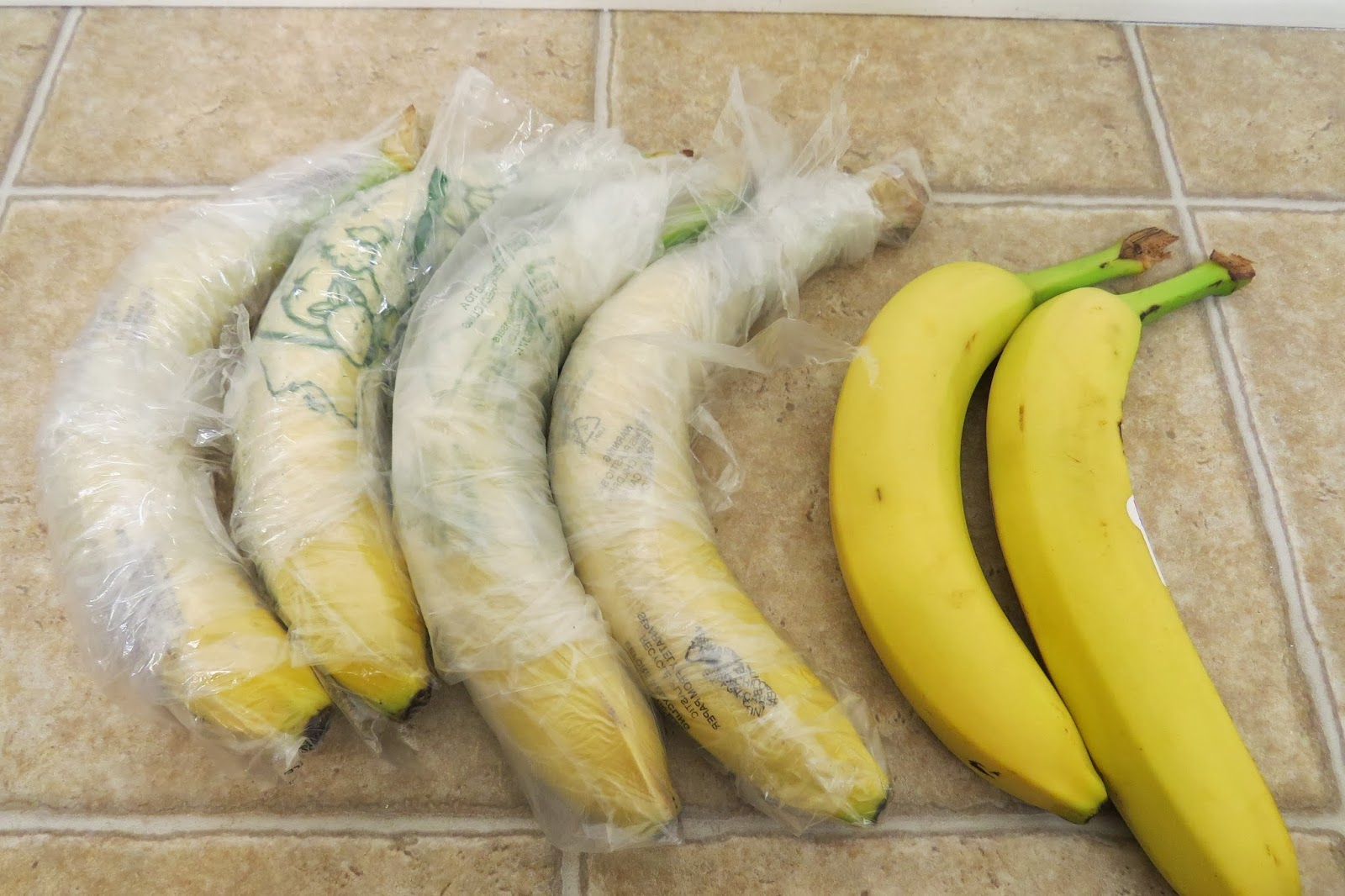 keeping bananas in refrigerator the results of the day 1. Black Bedroom Furniture Sets. Home Design Ideas