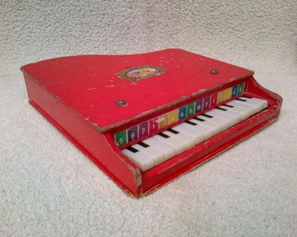 Karya Babah Antik Vintage Baby Piano
