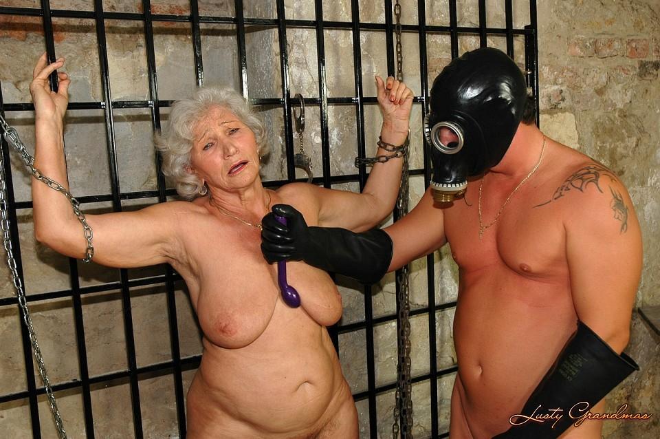 Lg Lusty Grandmas Norma Dungeon Se