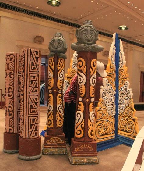 Pembuatan Patung Papua