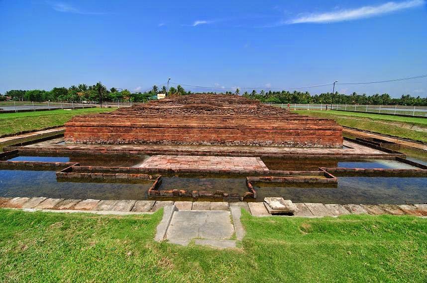 sejarah candi di karawang