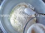 Papanasi cu branza (fierti) preparare reteta