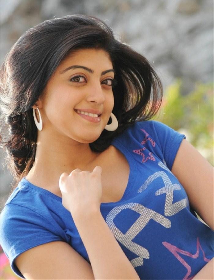 celeb pic praneetha latest photo gallery praneetha