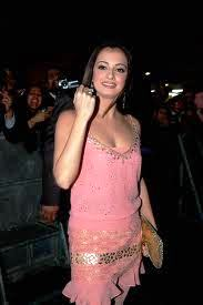 Diya-Mirza-Hot-Bollywood-Actress-6
